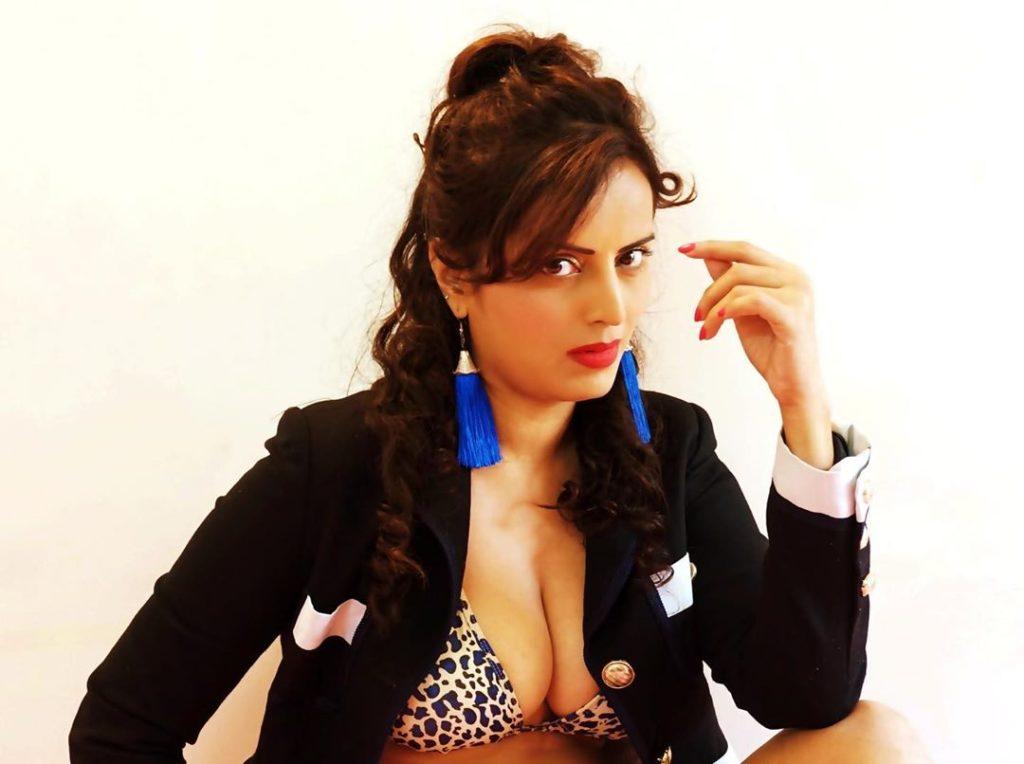 मेघना पटेल जीवनी Meghna Patel Biography in hindi