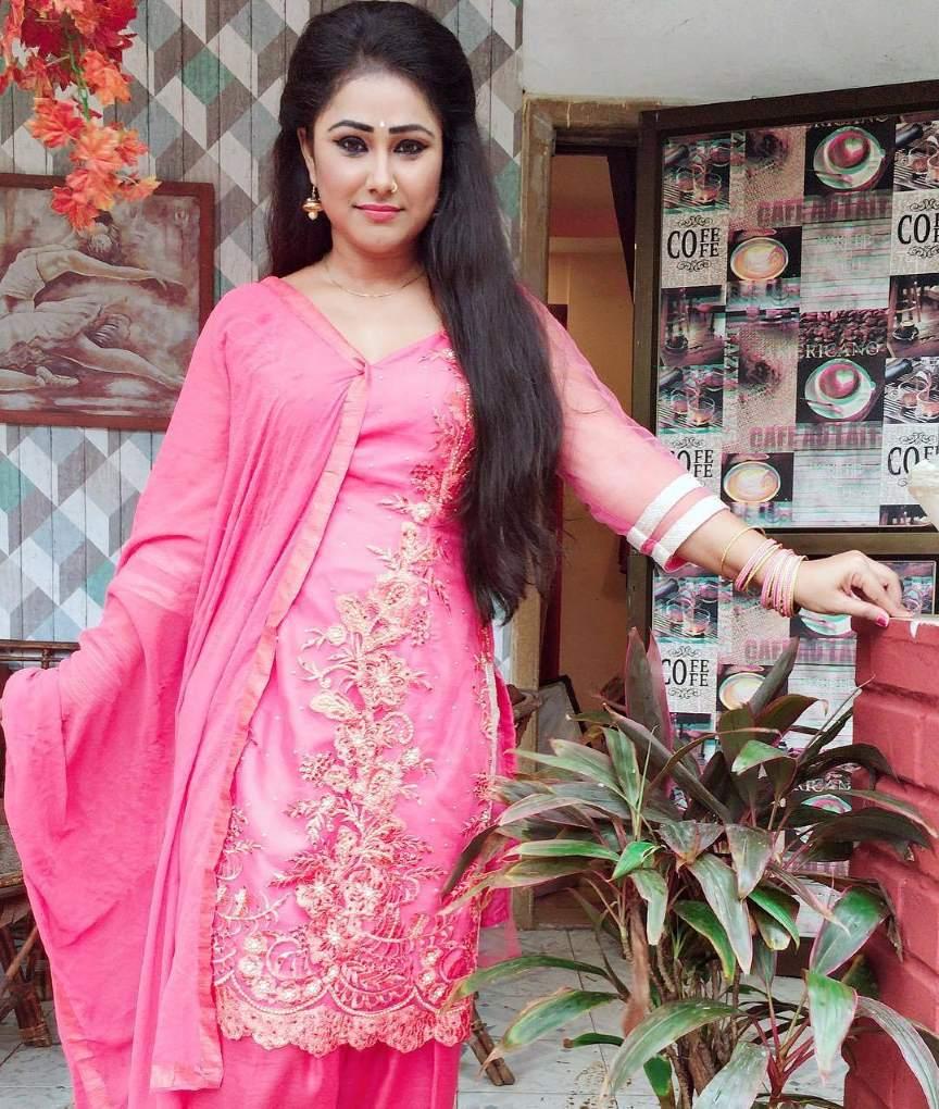 प्रियंका पंडित जीवनी Priyanka Pandit biography in hindi
