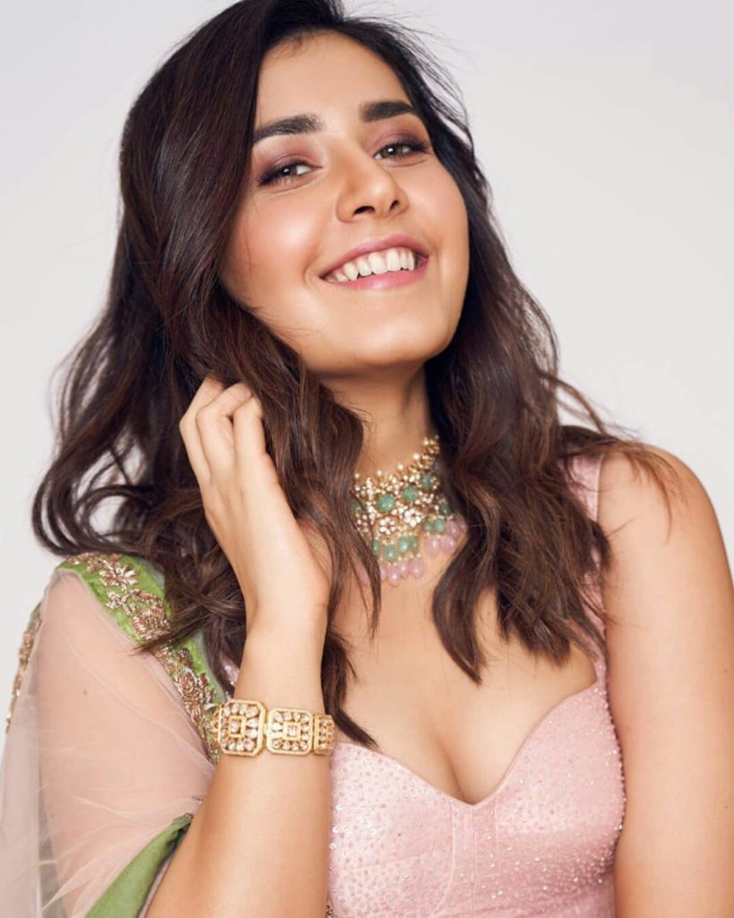 राशि खन्ना जीवनी Raashi Khanna Biography in Hindi
