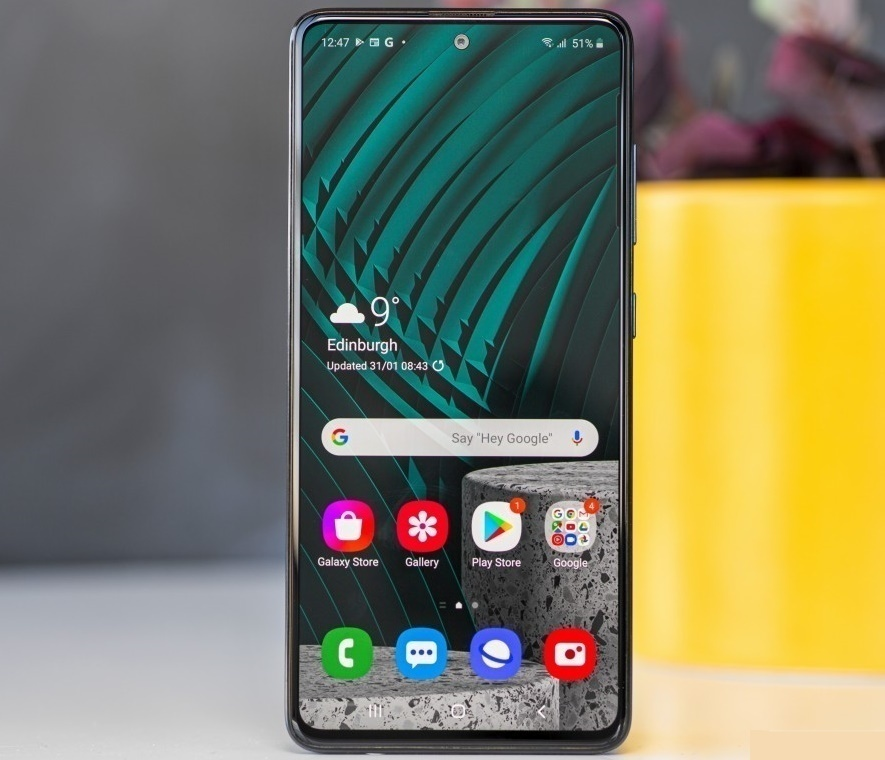 Samsung Galaxy A51-best non-chinese mobile phones in India under 30000 2020