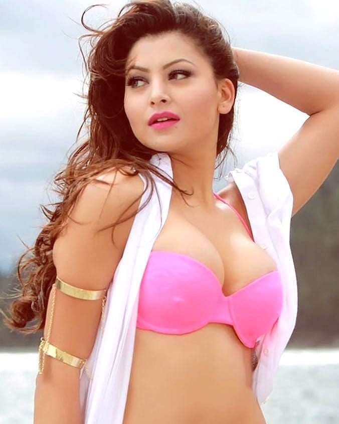 उर्वशी रौतेला जीवनी Urvashi Rautela biography in hindi