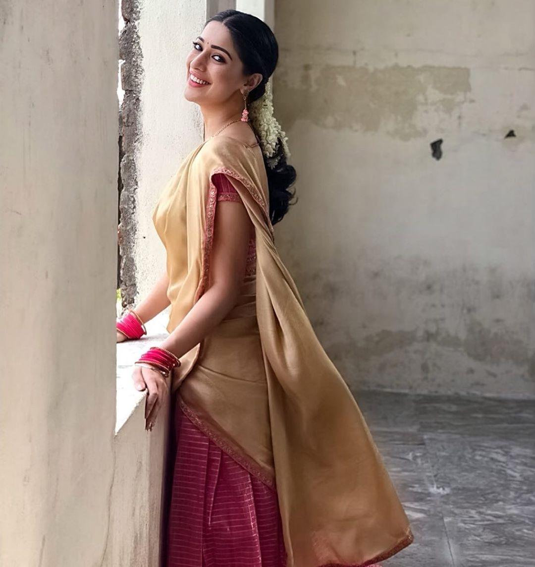 homely Look of Raai Laxmi